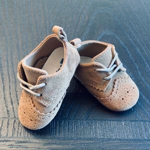 Baby Gap shoes. Size 6-12 Months